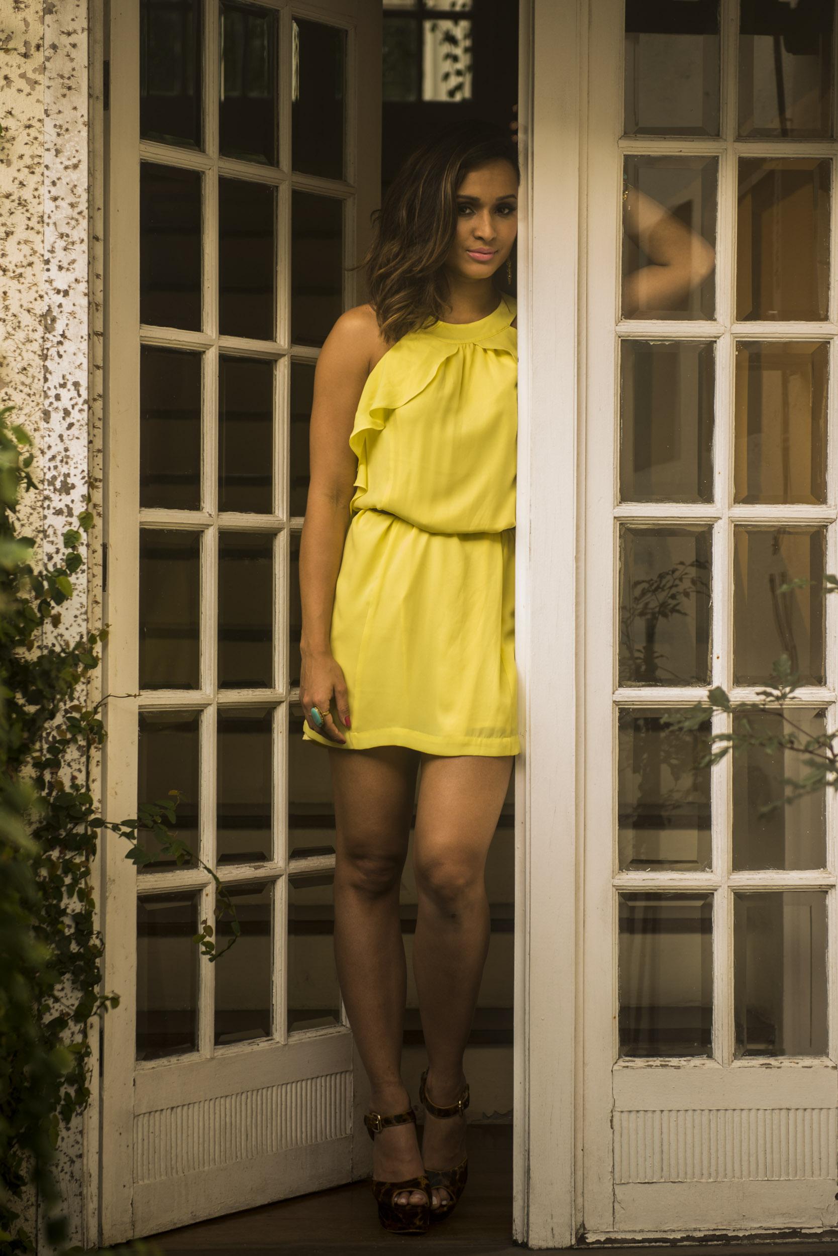 thaissa carvalho amarelo 2